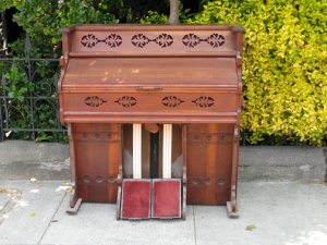 free organ left on the street