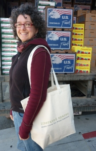 using a canvas bag at the farmers market